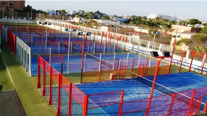 Pistas de p del centro deportivo 360 p del en roquetas for Gimnasio 360 roquetas de mar