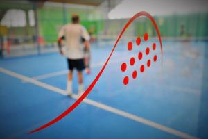 Jugar al pádel: 5 claves para iniciarte en su práctica